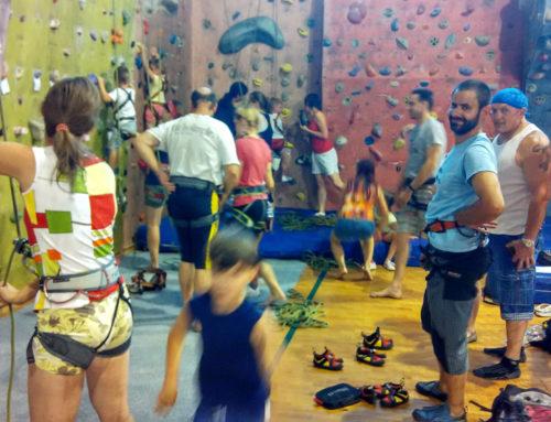 Spolek neslyšících na lezecké stěně